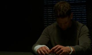 Jon Bernthal na planie serialu naprawdę złamał rękę - stało się to w trakcie kręcenia rozplanowej na 3 dni sekwencji ze scenami walki; co ciekawe, aktor początkowo nie przyznał się do kontuzji