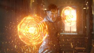 """2016-2017: Rozgrywa się akcja filmu """"Doktor Strange"""". Stephen Strange trafia pod skrzydła Starożytnej i ostatecznie zostaje Najwyższym Magiem. Pokonuje Kaeciliusa i Dormammu."""