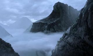 79 rok naszej ery: Dłoń doprowadza do erupcji Wezuwiusza, niszcząc miasta Pompeje i Herkulanum. Iron Fist znajduje sojuszników w walce z Dłonią.