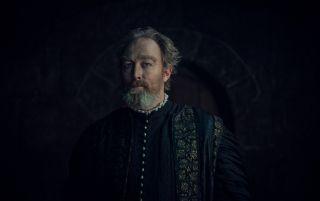 Stregobor (Lars Mikkelsen) - czarodziej ukrywający się w wieży w Blaviken. Krył się tam przed Renfri, mutantką, która chciała się zemścić. Spotkanie wiedźmina wykorzystał, aby ten zamordował Renfri, który zanim ta zdołała dokonać zemsty, została zabita razem ze swoją bandą przez Geralta, za co ten dostał przydomek Rzeźnika z Blaviken.