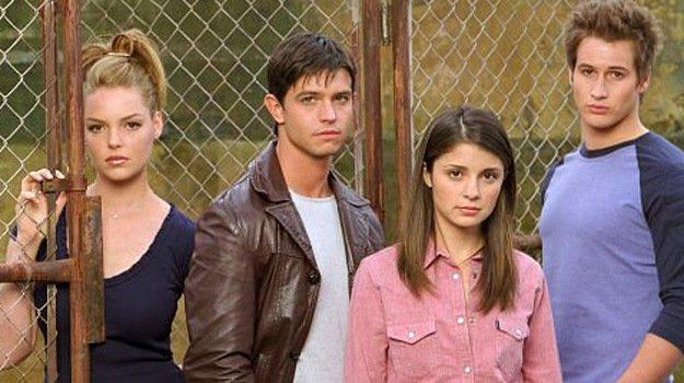 The CW zamawia aż 6 pilotów nowych seriali. W tym reboot Roswell: W kręgu tajemnic