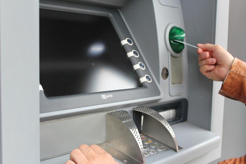 Luka w oprogramowaniu banku pozwoliła programiście wykraść miliony