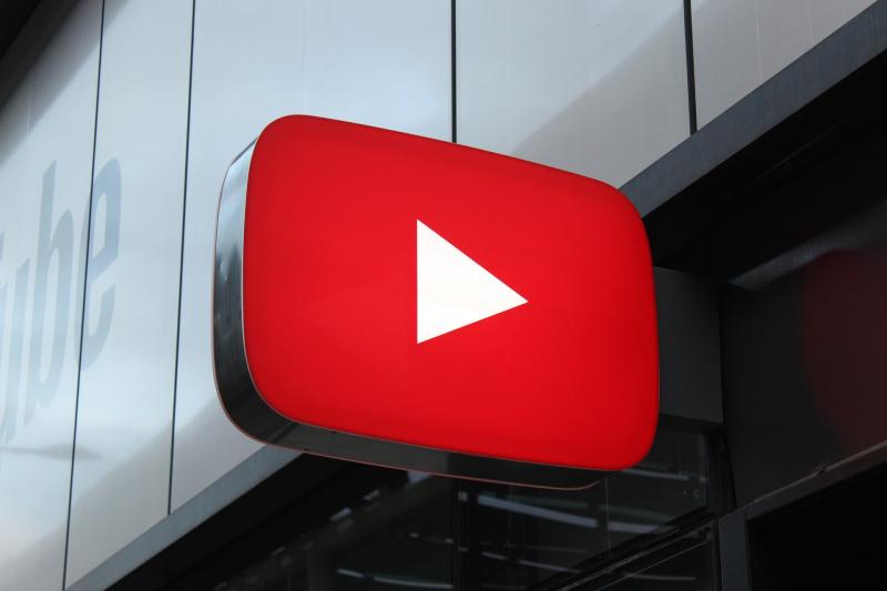 YouTube Music sam pobierze nasze ulubione piosenki