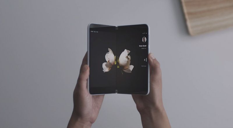 Surface Duo – dwuekranowy telefon od Microsoftu w działaniu
