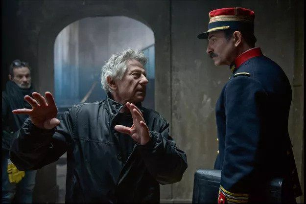 Cezary 2020: Roman Polański najlepszym reżyserem. Policja rozpędziła protestujące aktywistki