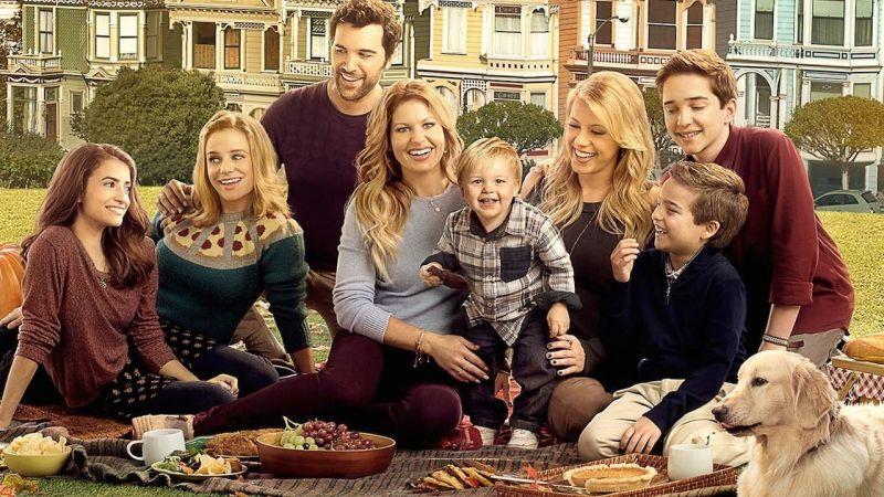 Pełniejsza chata, czyli kontynuacja kultowego sitcomu. Czy warto obejrzeć?