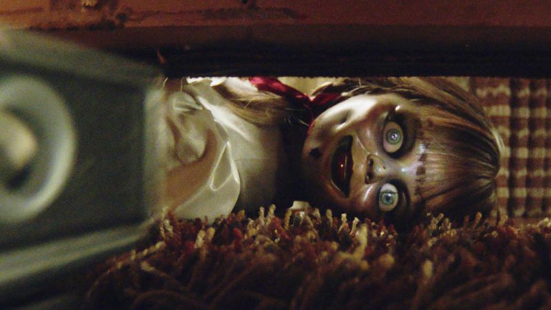 Annabelle In Quarantine - zobaczcie, co diabelska lalka robi w studiu Warner Bros., gdy nikt nie widzi