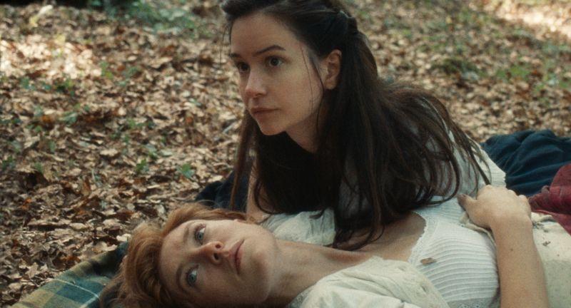 Świat, który nadejdzie - zwiastun filmu. Katherine Waterston i Vanessa Kirby w romantycznej relacji