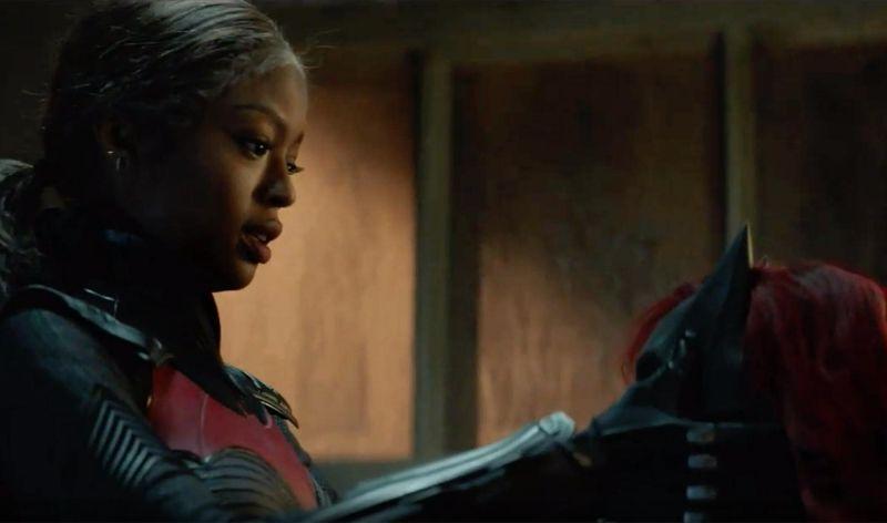Batwoman - na pewno czekacie na 2. sezon. Dla niecierpliwych mamy nowe zdjęcia (w tym Batmobil)