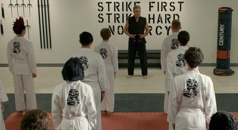 Cobra Kai - zwiastun 3. sezonu serialu Netflixa. Powrót postaci z Karate Kid 2!