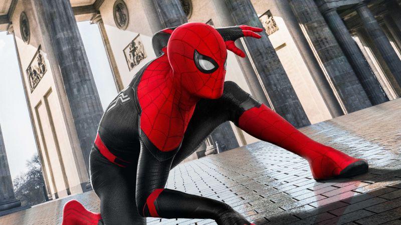 Spider-Man: No Way Home - nowe zdjęcia z planu. Pajączek w kostiumie w pełnej okazałości