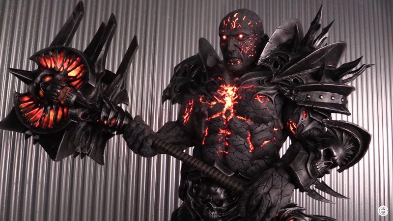 Bolvar Fordragon z World of Warcraft jak żywy. Tak powstał kostium, który wygrał BlizzConline 2021