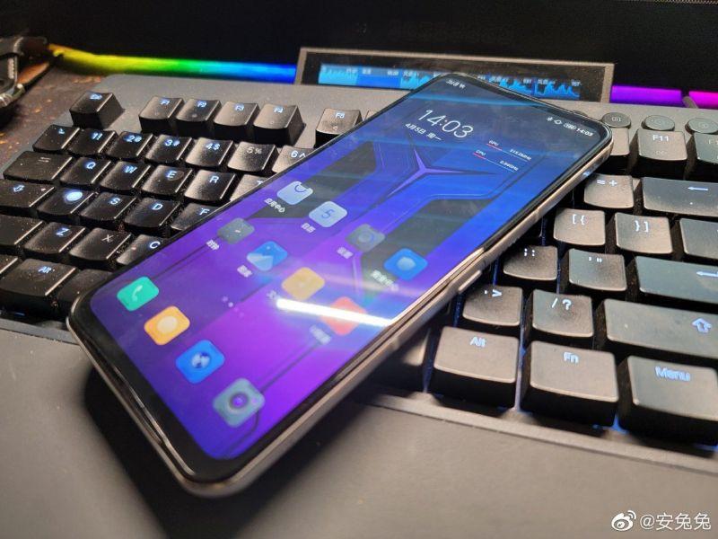 Lenovo Legion Phone 2 Pro – wygląda dziwacznie i ma sprawdzić się w grach