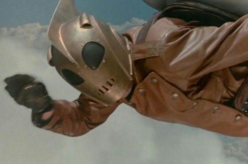 Człowiek rakieta - Disney+ wskrzesza klasyka. Emerytowany lotnik superbohaterem?