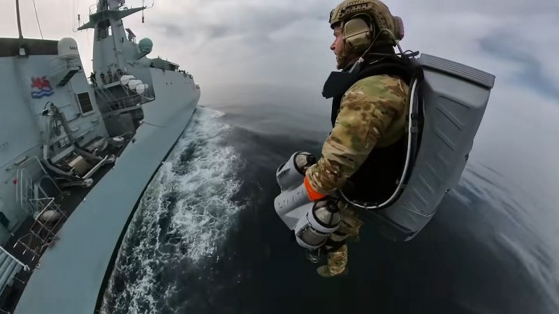"Brytyjska piechota morska testuje ""kombinezon Iron Mana"""