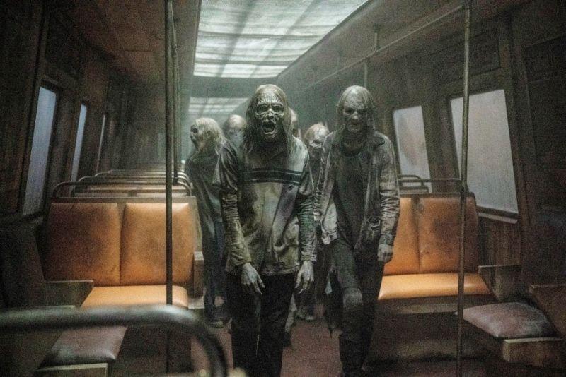 The Walking Dead - zdjęcia z 11. sezonu. Bohaterowie w metrze