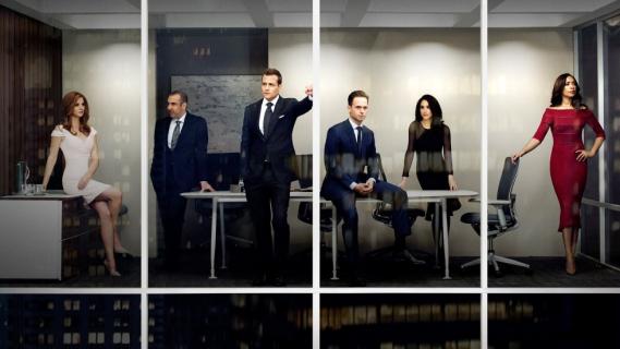W garniturach: sezon 5, odcinek 16 (finał) – recenzja