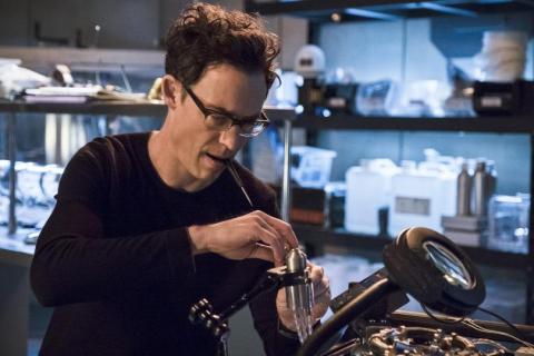 Czy Tom Cavanagh pojawi się w 3. sezonie Flasha?
