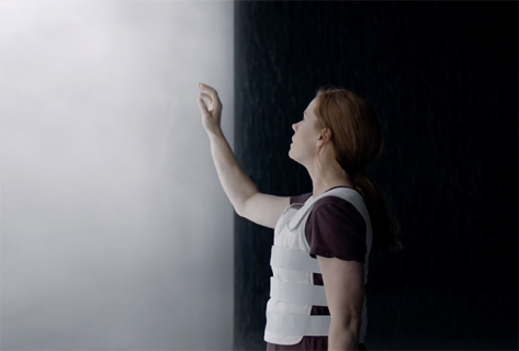 Amy Adams nawiązuje pierwszy kontakt w pełnym zwiastunie Arrival