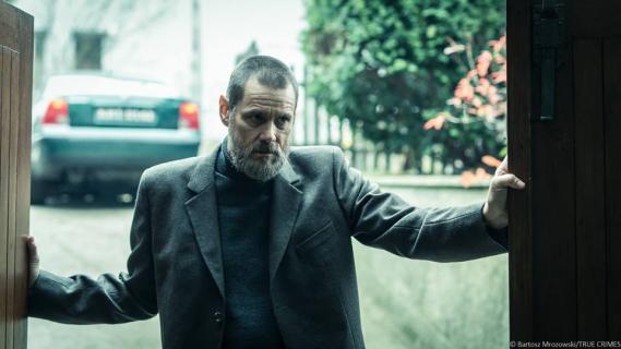Agata Kulesza i Jim Carrey w thrillerze. Zwiastun Dark Crimes z akcją w Polsce
