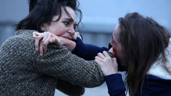 Grave – horror tak straszny, że kino w Los Angeles rozdaje widzom torby na wymioty