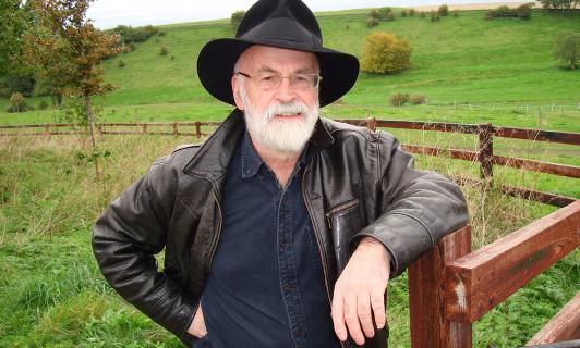 Niedokończone dzieła Terry'ego Pratchetta zniszczone