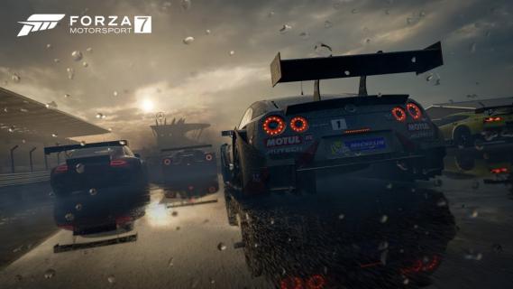 Forza Motorsport 7 z pokaźnych rozmiarów łatką w dniu premiery