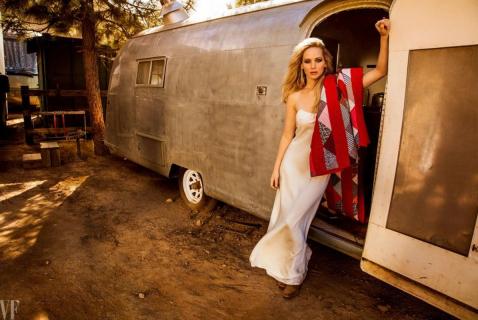 Piękna Jennifer Lawrence promuje Czerwoną jaskółkę. Zobacz sesję zdjęciową dla Vanity Fair