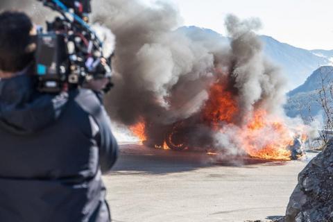 Samochód w Top Gear stanął w płomieniach. Prezenterom udało się bezpiecznie uciec