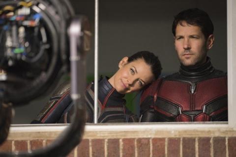 Rozbrajający uśmiech Evangeline Lilly. Ant-Man i Osa – zobacz zakulisowe zdjęcia