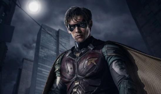 Titans – baner nawiązuje do tragicznej przeszłości Robina. Zobacz zdjęcie
