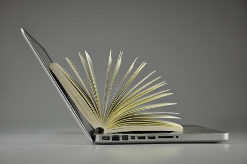 Sztuczna inteligencja, która pisze książki. O przyszłości zawodu pisarza