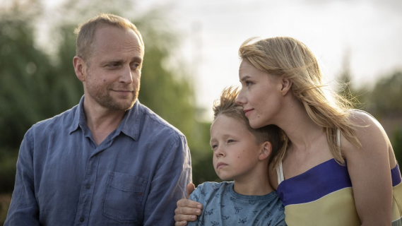 Całe szczęście – bohaterowie komedii romantycznej TVN na nowych plakatach