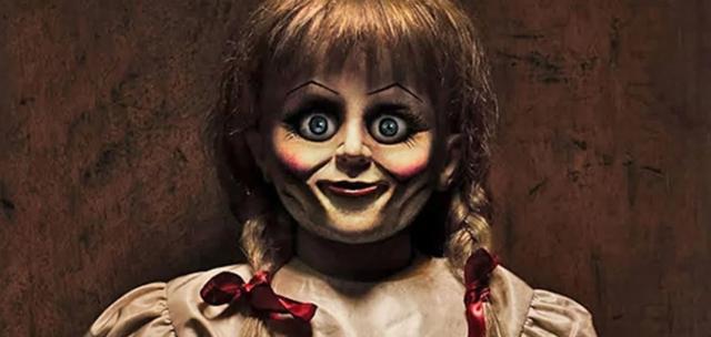 Annabelle wraca do domu - nowy plakat promujący trzecią częśc horroru