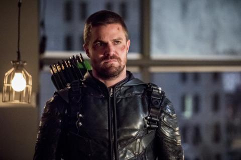 Czy 8. sezon Arrow powstałby bez crossoveru? Jest odpowiedź