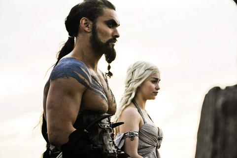Daenerys, Jon Snow i Khal Drogo razem na zdjęciu. Emilia Clarke świętowała urodziny