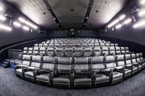 Widzowie chętnie wrócą do kin po pandemii koronawirusa? Multikino przedstawia liczby