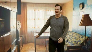 Co Tarantino robi w mieszkaniu w Czelabińsku? Rosyjskojęzyczny internet znów zaskakuje