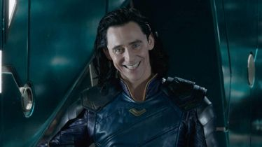 Loki - ruszyły przygotowania do serialu MCU. Tom Hiddleston i ekipa na zdjęciu