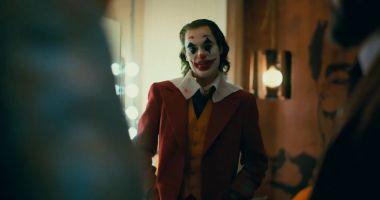 Joker - pełny zwiastun filmu. Joaquin Phoenix szaleje i idzie po Oscara!