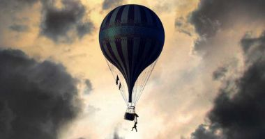 The Aeronauts - nowy zwiastun filmu. Redmayne, Jones i lot balonem