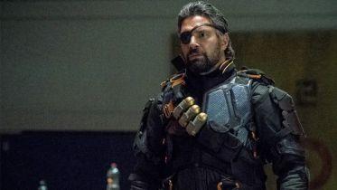 Arrow - Deathstroke w serialu tylko jako easter egg? Taki był pierwotny plan