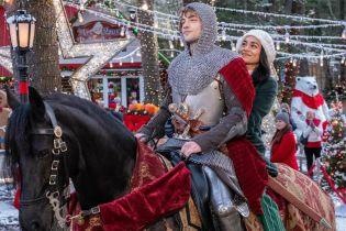 Świąteczny rycerz - zwiastun filmu Netflixa. Vanessa Hudgens i przybysz ze Średniowiecza