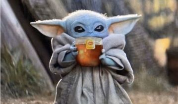 The Mandalorian - Baby Yoda pije herbatę i pokonuje Imperatora. Memy i reakcje na 4. odcinek