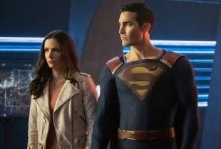 Superman & Lois - Elizabeth Tulloch chwali się zdjęciem scenariusza do serialu