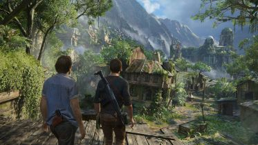 Uncharted - Tom Holland i Mark Wahlberg na zdjęciach z planu filmu