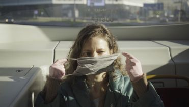 W domu - pandemiczny projekt HBO, czyli gatunkowy miszmasz w czasie kwarantanny