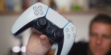 Do sieci wyciekły zdjęcia czarnego DualSense'a do PS5