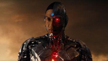 Ray Fisher ponownie atakuje: odnosi się do czarnoskórego Supermana. WarnerBros. odpowiada
