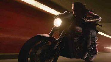 The Falcon and The Winter Soldier - Bucky ze swoim motocyklem na zdjęciach z planu
